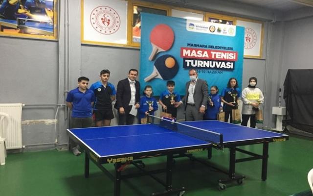 Masa tenisi turnuvasına sporculardan yoğun ilgi